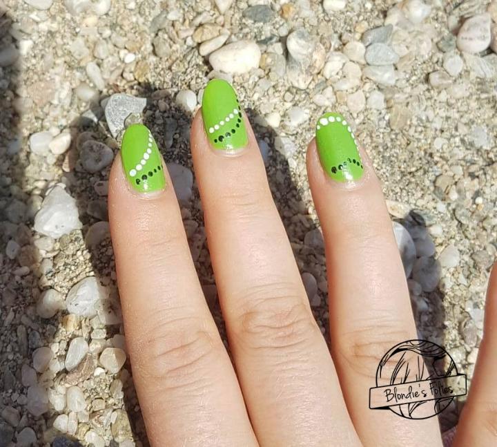 nailart facile vert pomme